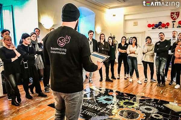 Florian Peichler macht Startrede beim Teambuilding Event für Calzedonia